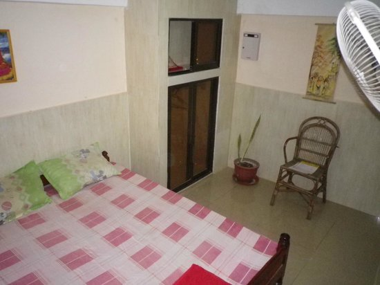 Kep Guest House : chambre 01