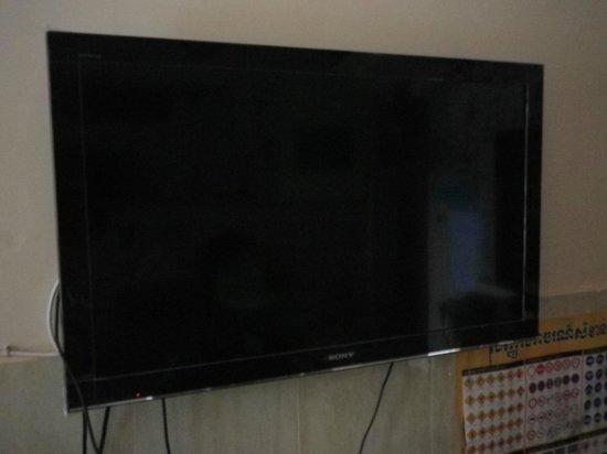 Kep Guest House: Télé 42 Pouces