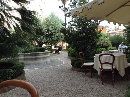 VOI Donna Camilla Savelli Hotel : so peaceful in this garden courtyard