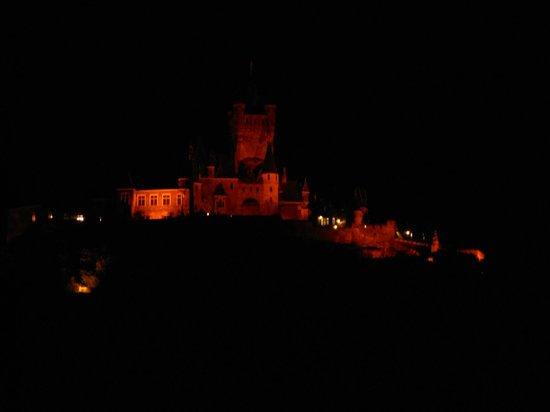 Flair Hotel am Rosenhügel: Cochem, Reichsburg bei Nacht