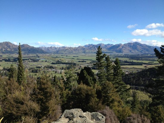 Select Braemar Lodge & Spa: from the top of Mt Isobel