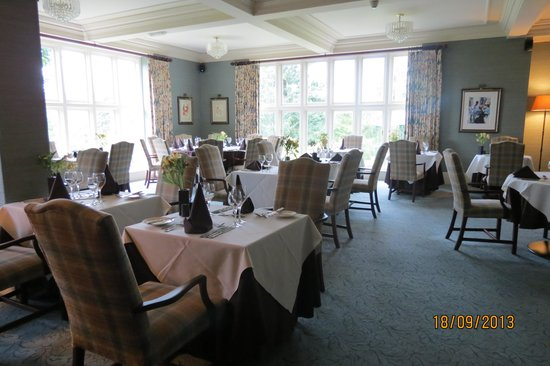Lindeth Howe Country House Hotel: The dining room