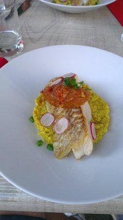 Au Gout du Jour : Dos de lieu noir, confit d'oignons-chorizo, quinoa d'Anjou