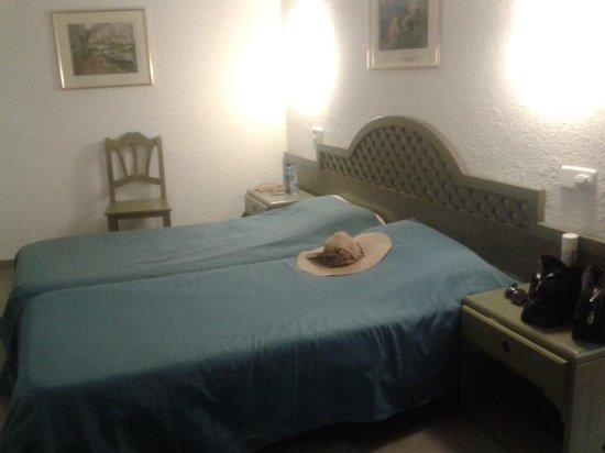 Hotel Mediodia: Les lits