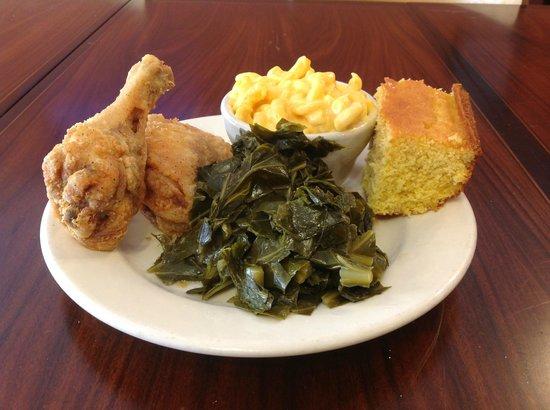 Eatz: fried chicken, collard greens, mac&cheese, and cornbread