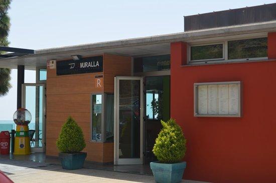 La Muralla: Ingang
