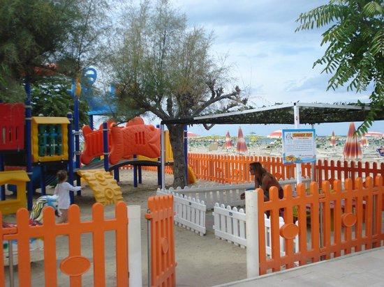 Park Hotel Serena: Parco giorchi della spiaggia
