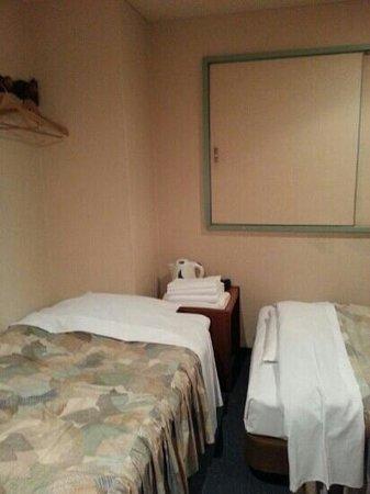 Takamatsu Peal Hotel : Twin bedroom