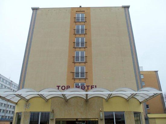 TOP HOTEL Praha: Entrata secondaria