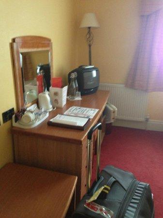 Kilford Arms Hotel : room