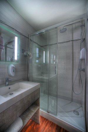 Central Parc Hotel : Salle de bain