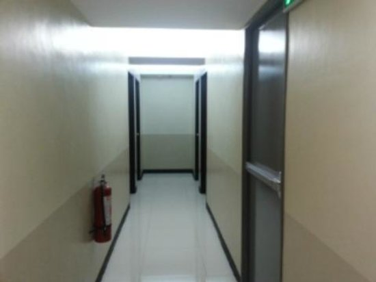 Skypark Pensionne: hallway