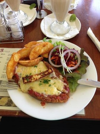 Gallo DairyLand : yummy veal parmy :)