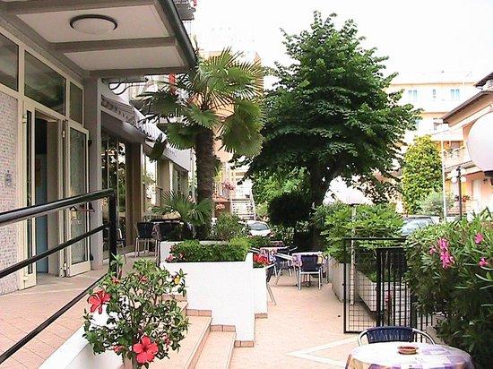 Hotel Universo: Giardino