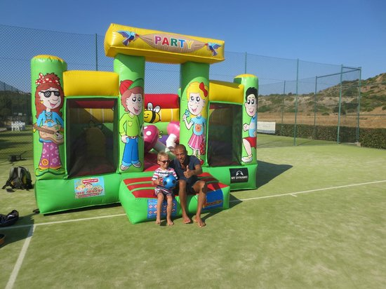 Hotel Baia da Luz : kids club- the best coach