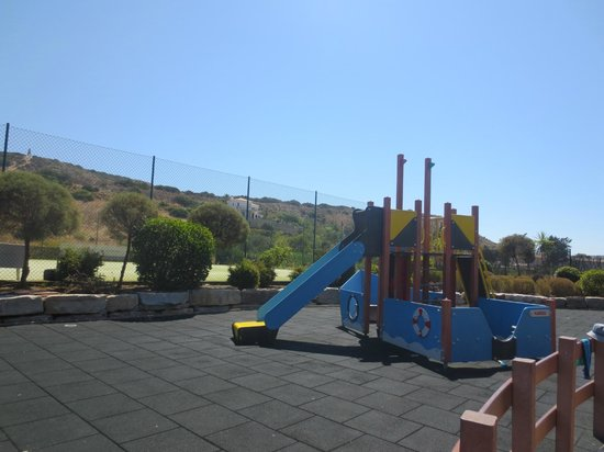 Hotel Baia da Luz : kids play area
