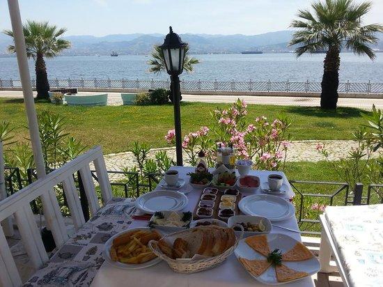 Izmit, Tyrkia: kahvaltı