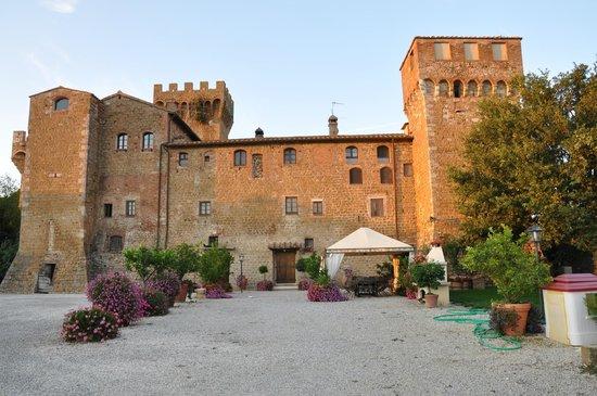 Agriturismi Il Castello La Grancia : vista dal biolago