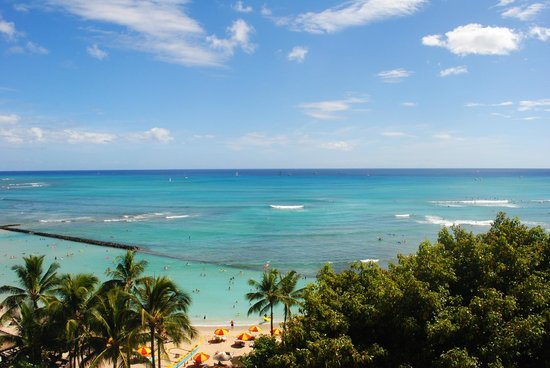 Aston Waikiki Beachside Hotel: one angle of the 180 degree ocean view from the Lanai
