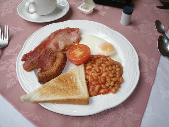 Beaucliffe Hotel: The Breakfast