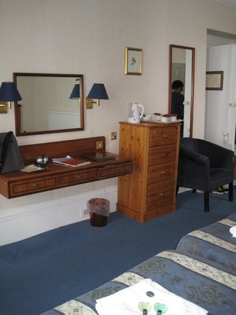 Yelf's Hotel: Spacious Triple Room