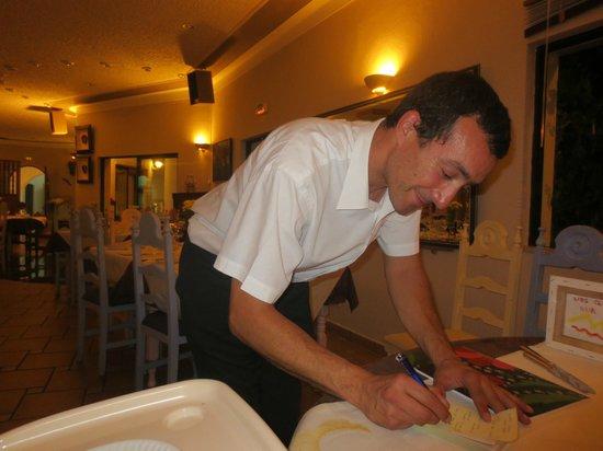 Mirage Restaurant: Gerardo