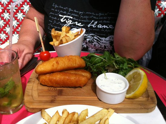Loulou Friendly Diner: Fish an' chips