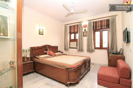 Holiday Homestay: Deluxe Room