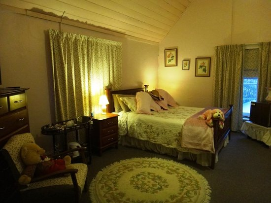 Old Colony Inn B&B : The Courtney Suite 2