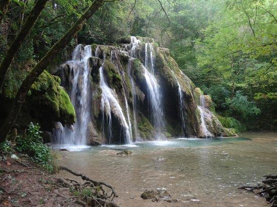 Castel Damandre : une cascade