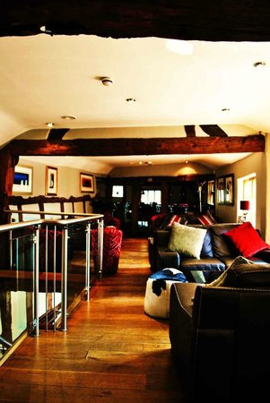 The Cheshire Cat: Lounge through to restaurant