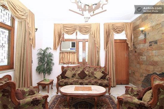 Holiday Homestay: Lounge