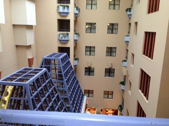 Cincinnatian Hotel: strange cages over lobby