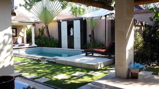 The Bli Bli Villas & Spa: Esterno giardino