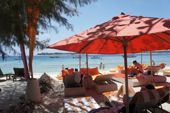 Laguna Gili Beach Resort: Beach Side
