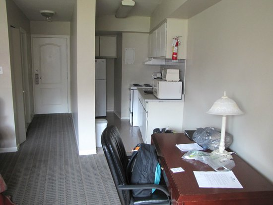 Hotel Dorval - Beausejour Apartments: Coin cuisine
