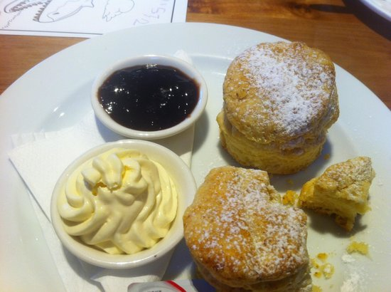 Dixie Brown's: Scones avec confiture