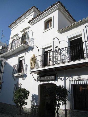 Hostal El Pilar : Außenansicht