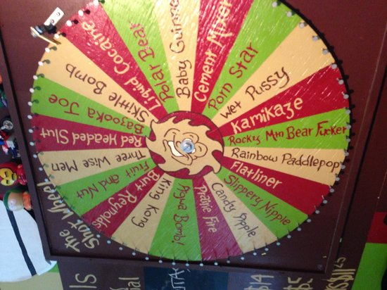 SameSun Backpacker Lodge: Shots wheel!!