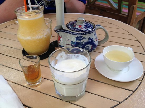 About Cafe' Koh Samui : Homemade yoghurt & honey with green tea