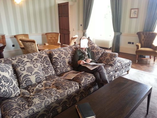 Farnham Estate Spa and Golf Resort : drawing room