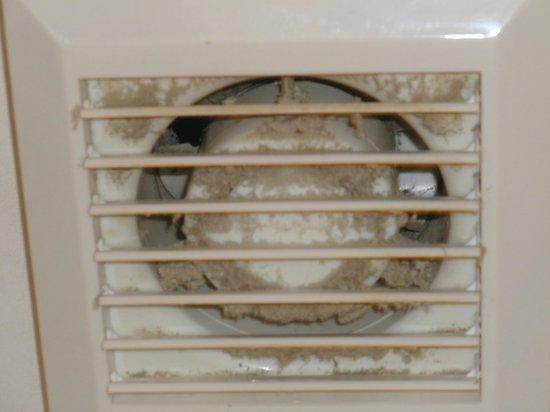 Windsor Hotel : aération salle de bain