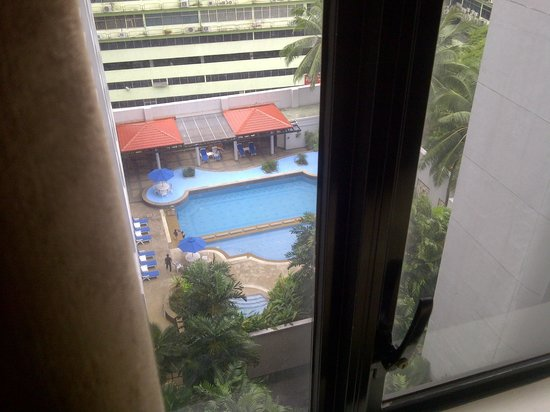 Royale Chulan Bukit Bintang: View of the pool from the room