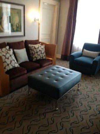 Le Meridien Dallas, The Stoneleigh: Living room area