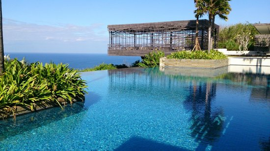 Alila Villas Uluwatu: view of the pool and Cabana