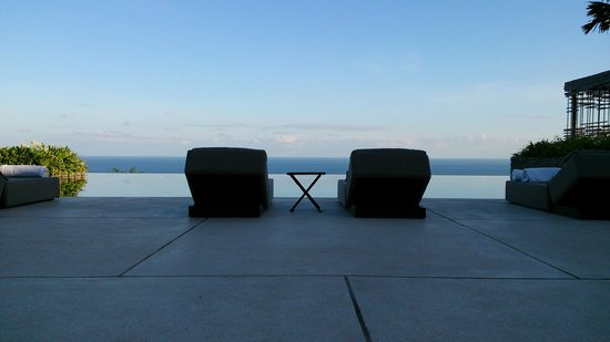 Alila Villas Uluwatu: these seats are priceless, just serenity and tranquility