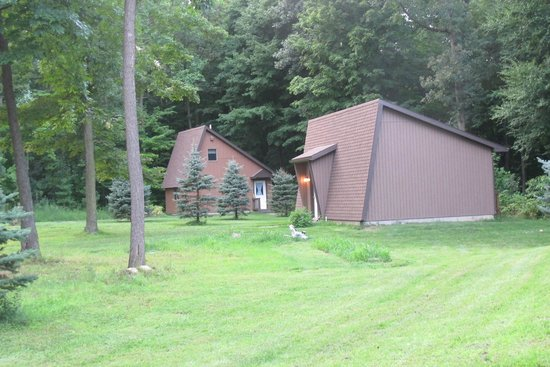 Wester Farm Bed and Breakfast: cabins to stay in backs up to solid woods, so quiet.