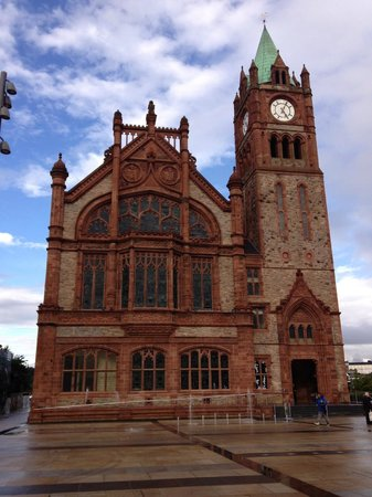 Inishfree B&B: Guildhall - Derry