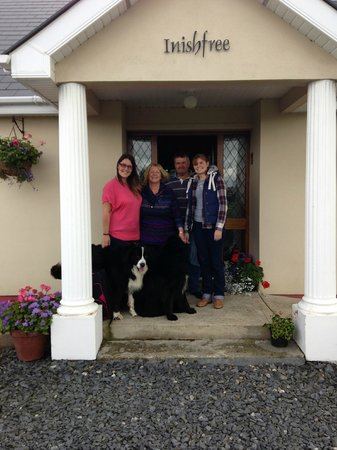 Inishfree B&B: Elaine and Dave with us at the B&B