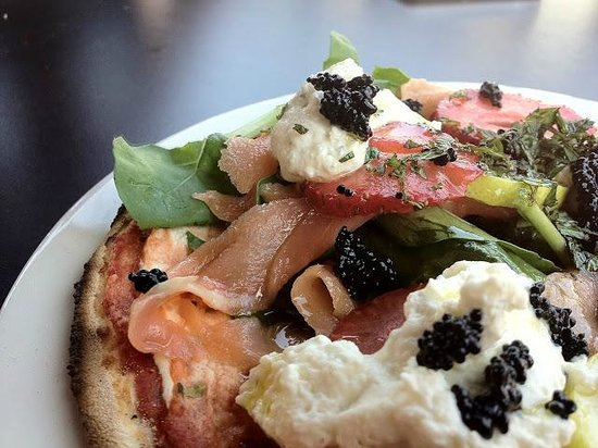 Toni's Fully Furnished Pizza Co.: Salmon e Fragola